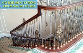 mẫu cầu thang sắt tay vịn gỗ CT3025