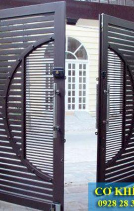 ẫu cổng sắt đẹp cho nhà biệt thự hiện đại CS1927