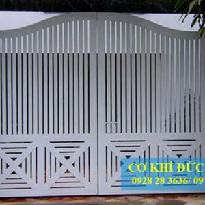 Cửa cổng sắt đẹp đơn giản CS1902