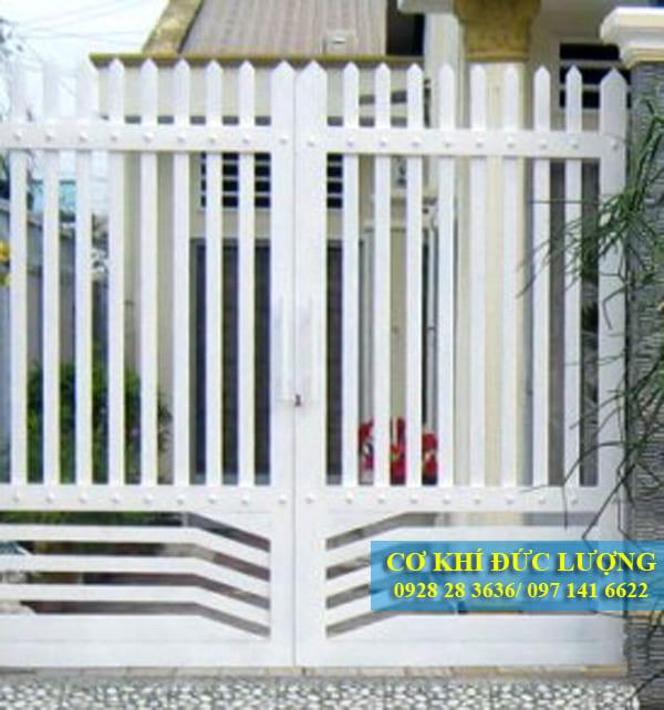 Mẫu cửa cổng sắt đẹp đơn giản CS1904