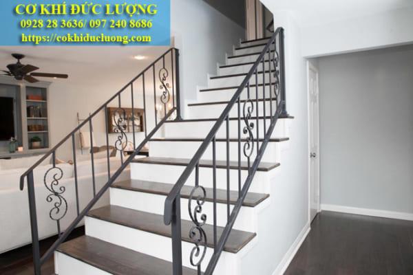 Cầu thang sắt đẹp CT3042