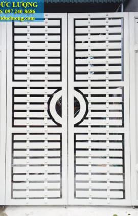 Mẫu cửa cổng sắt đẹp hiện đại CS2011